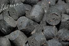 LK Baits Pelety Salt Black Hallibut-1 kg 12 mm