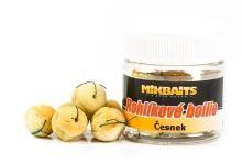 Mikbaits rohlíkové boilie 50ml-Česnek